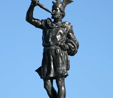 Heimdallr Statue